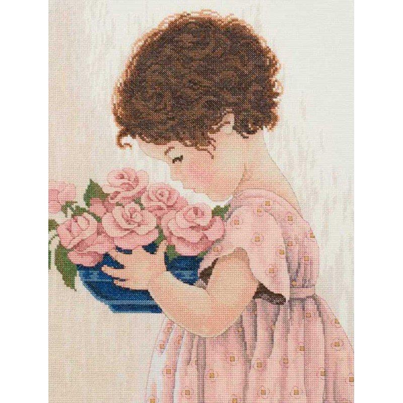 Набір для вишивання хрестиком Classic Design 4418 Дівчинка з квітами