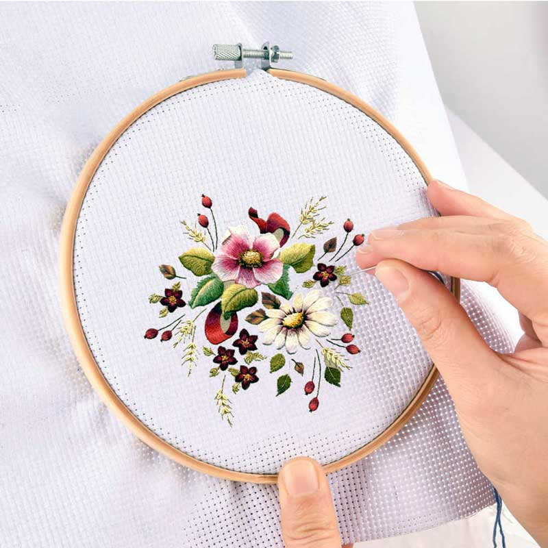 Photo 1. Use of embroidery on the frame